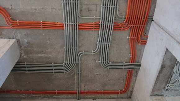 Прокладка кабелей в квартире